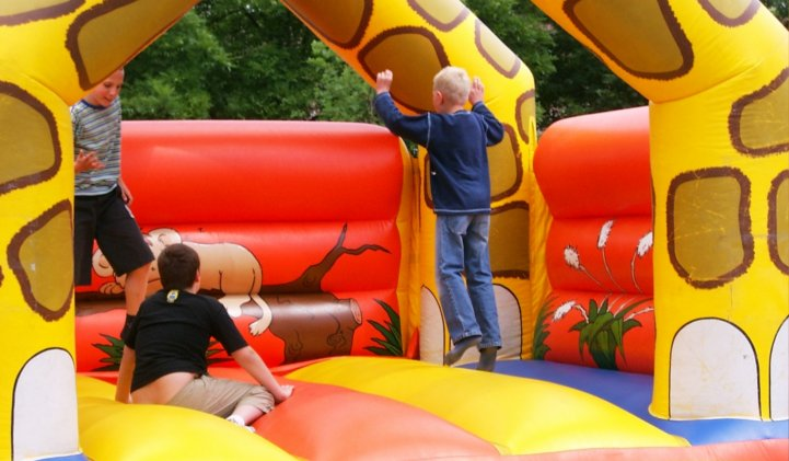 Bouncy Castle Hire York – Children & Adult Packages
